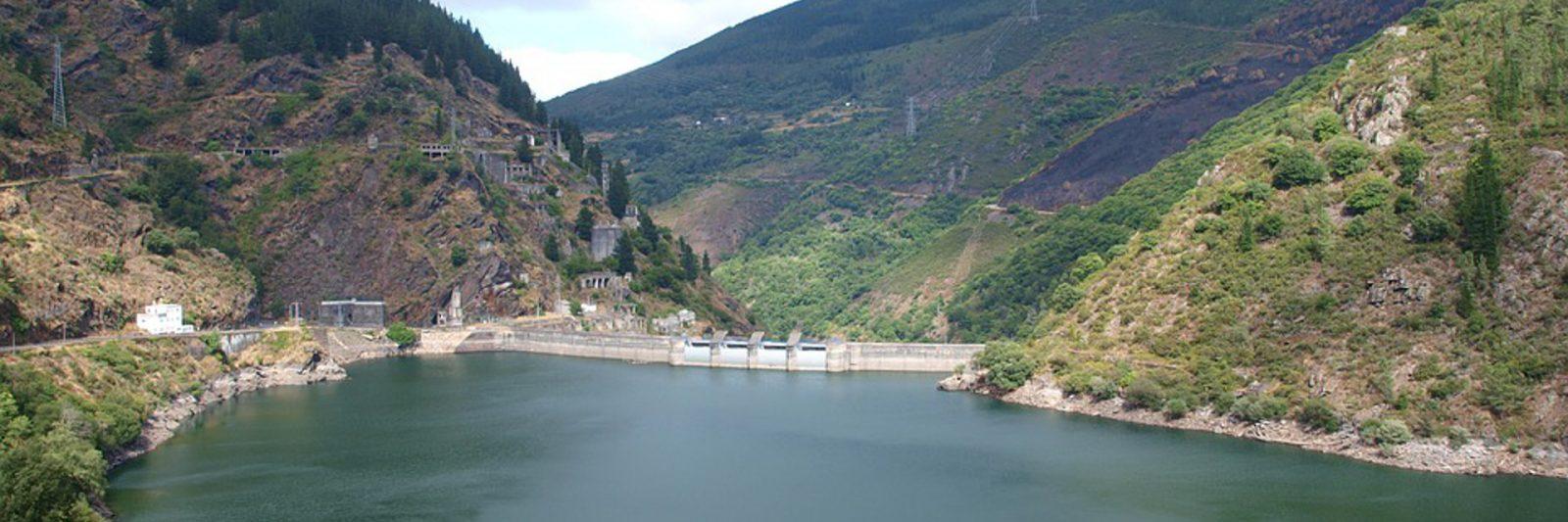 el-embalse-de-salime-es-el-de-mayor-magnitud-de-asturias-1920